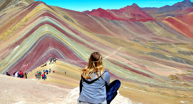 hiking-rainbow-mountain-vinicunca-and-red-valley-img02